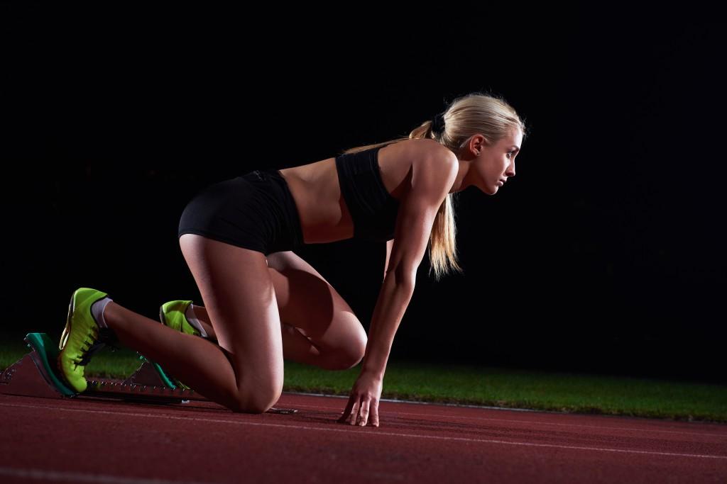 En økning i knebøystyrken din kan også øke sprinthastigheten din.