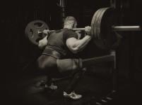 Bør styrkeatleter trene utholdenhet?