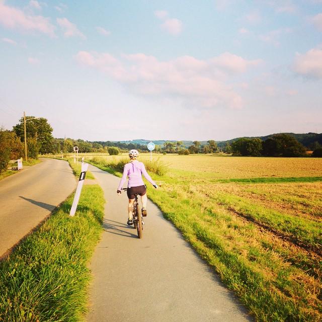 """Sykling og gåing i landlige omgivelser er bra for kropp og sjel. """"Workout :)""""(CC BY-ND 2.0)bydominik2706"""