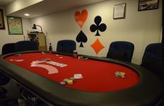 """Konsentrasjon er alltid viktig rundt pokerbordet. """"Poker Table""""(CC BY 2.0)byslgckgc"""