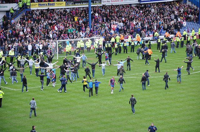 """Celebrating Crystal Palace fans on the H"" (CC BY 2.0) by Ben Sutherland"
