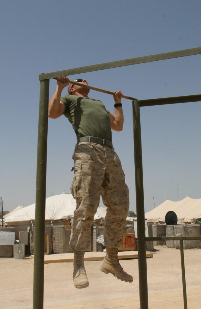 Kroppshevinger er en allsidig øvelse som kan gjennomføres stort sett overalt.
