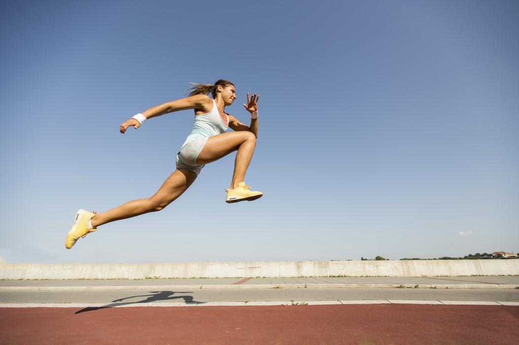 Knebøyhopp er en undervurdert øvelse for å utvikle hurtighet og spenst!